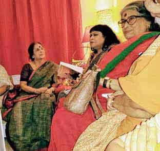 Bashabi reading on invitation at Shoi in Calcutta with Nabaneeta Dev Sen (right) and Bani Basu (left)