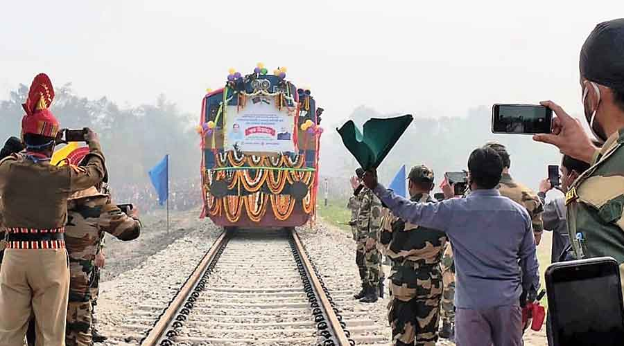 File picture of a goods train crossing the border on Haldibari-Chilahati route on December 17