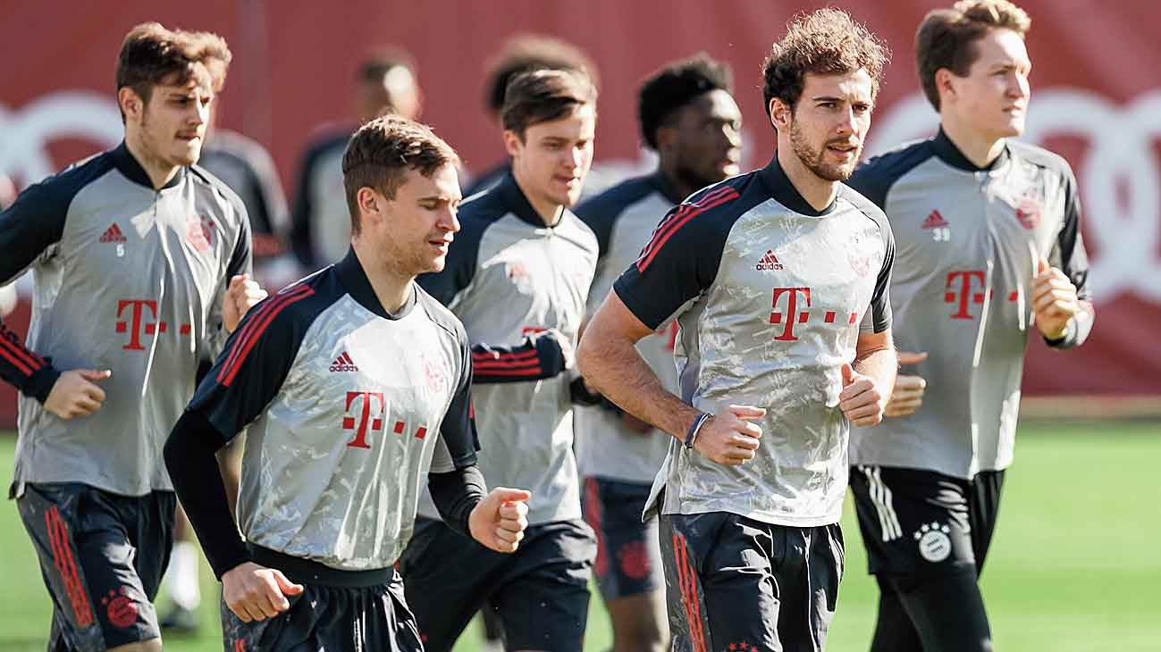 Bundesliga leaders Bayern reached the quarter final for a record 19th time by cruising past Lazio 6-2 on aggregate and will provide a formidable barrier.