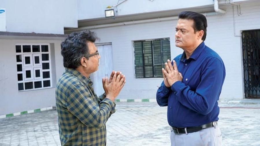 A moment from Pratidwandi directed by Saptaswa Basu