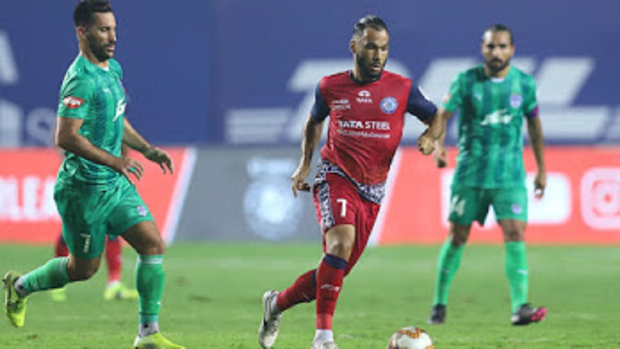 The ISL match between Jamshedpur FC (in Red) and Bengaluru FC in Goa on Thursday.