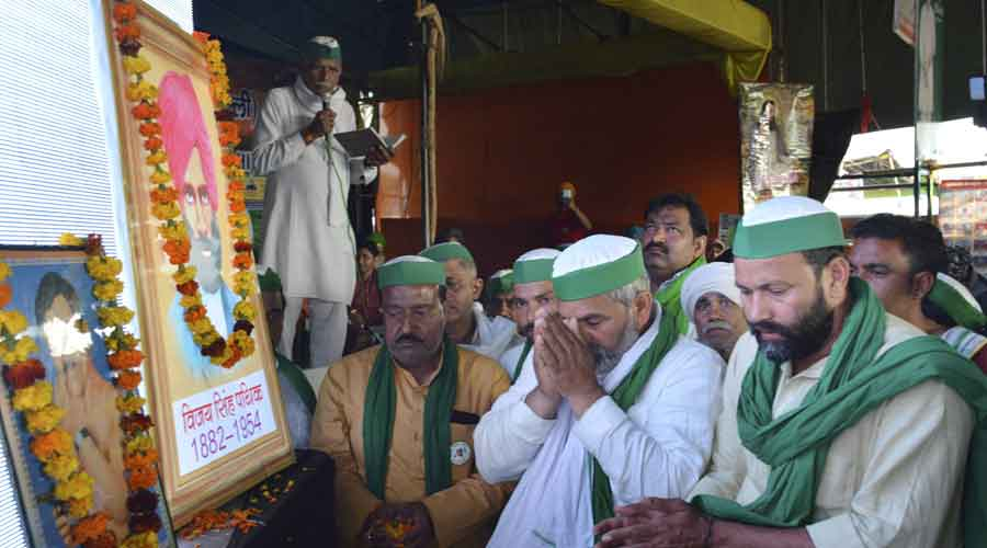 Rakesh Tikait pays tribute on the occasion of Ravidas Jayanti at Ghazipur border