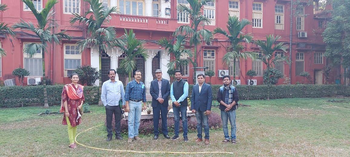 Representatives from Giridih at the Bose Institute, Calcutta.
