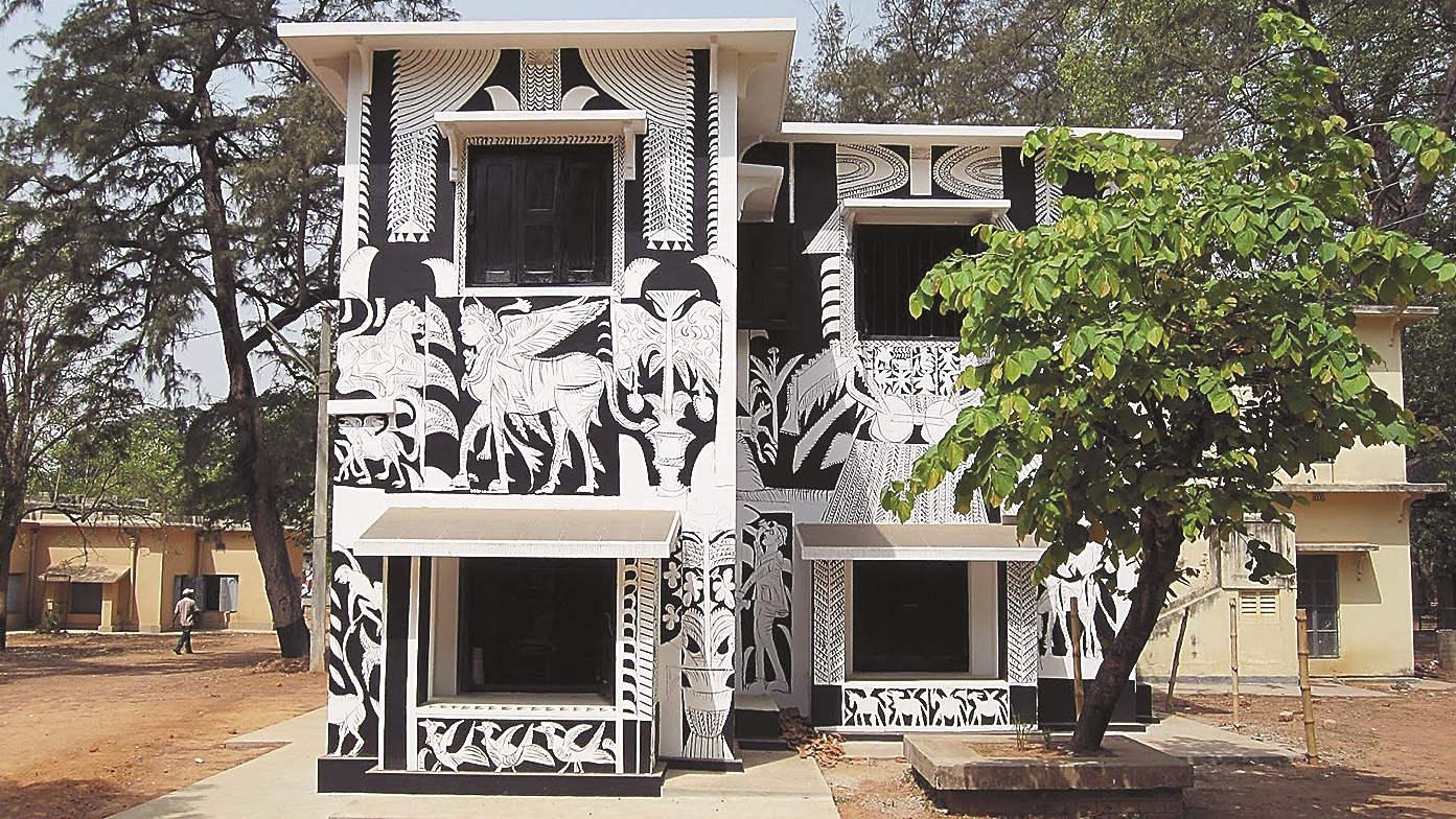 The black-and-white mural painted by K.G. Subramanyan on the walls of the studio of Nandalal Bose or 'Mastermoshai' at Kala Bhavana.