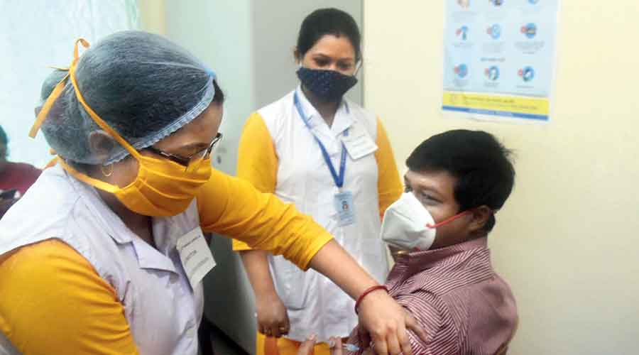 A volunteer being injected with placebo during the Covid-19 vaccine dry run at an urban primary health centre  of the Bidhannagar Municipal Corporation at Salt Lake's Duttabad on Saturday