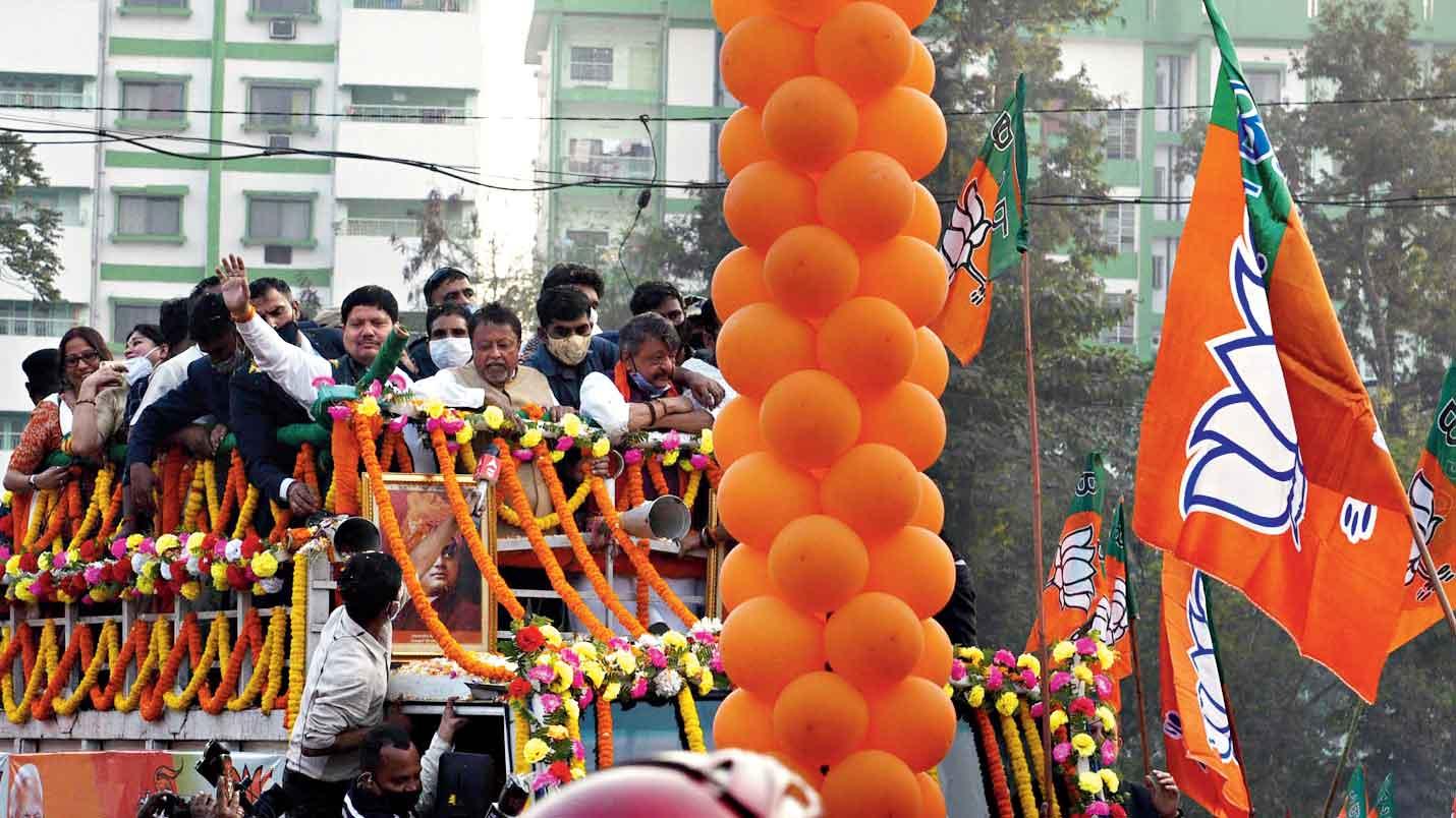 The BJP road show in Calcutta on Monday.