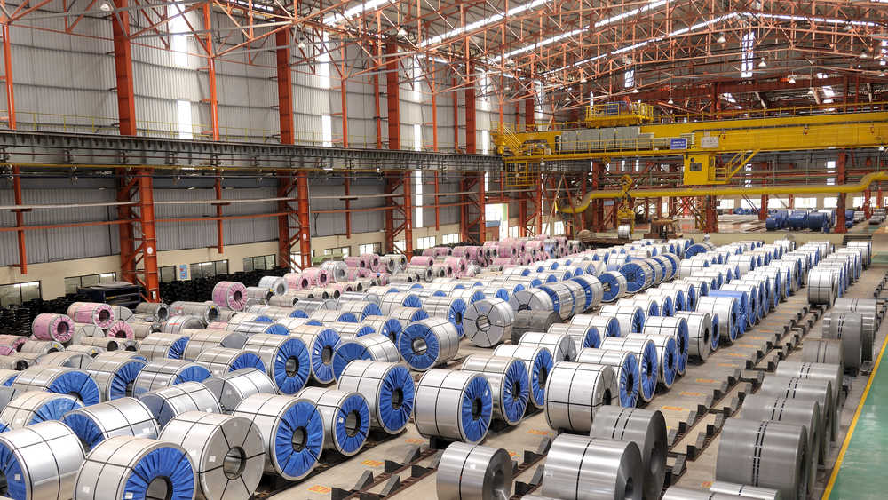 While top producers continued their upward march in production compared with the same period last year and the preceding quarter of this fiscal, low inventory cramped the sales of Tata Steel and JSPL, which reported a sequential decline in sales.