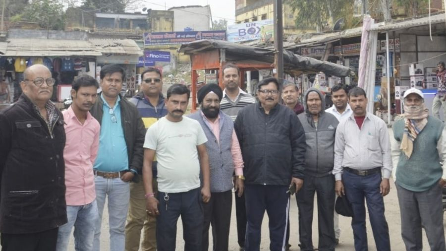 Members of Sindri Chamber of Commerce at Sindri, Dhanbad, on Wednesday.