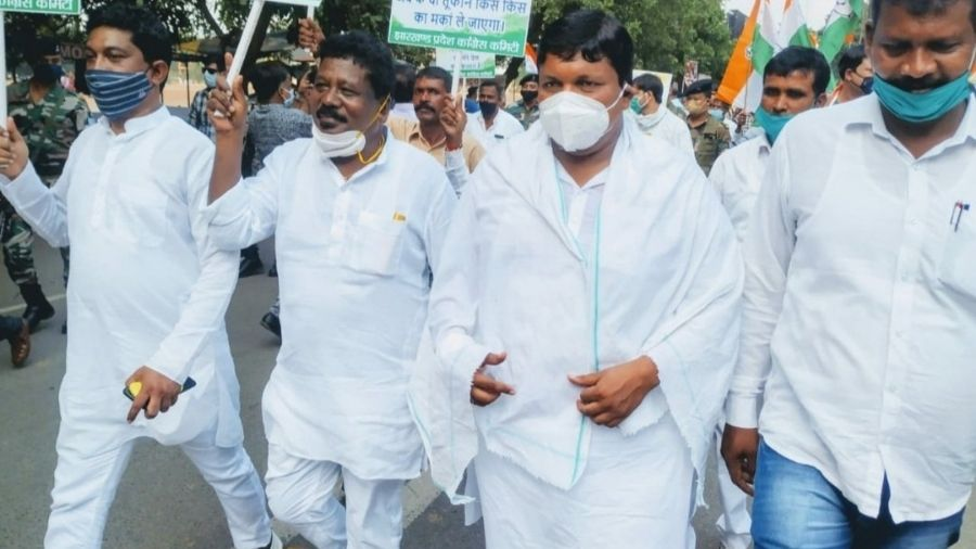 Congress leaders at a protest march against the farm bills in Ranchi in September 2020.