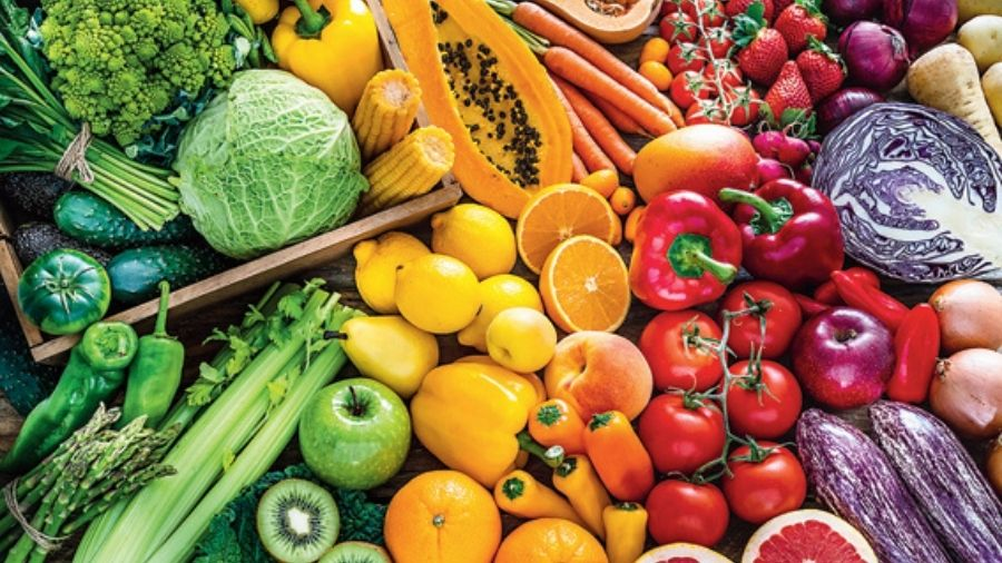 Eating more plant foods definitely makes us healthier but the key is to have a habit of eating a variety of colourful fruits and vegetables.