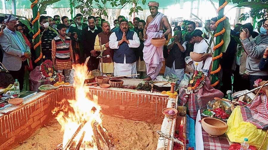 Anubrata Mondal, the Birbhum district chief of the Trinamul Congress, organised a mega yajna at Kankalitala, a popular Kali temple, in Bolpur on Wednesday.