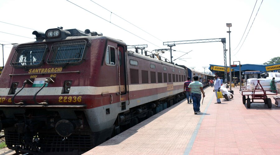 The Howrah-Barbil Jan Shatabdi Express at Tatanagar railway station in Jamshedpur on Saturday.