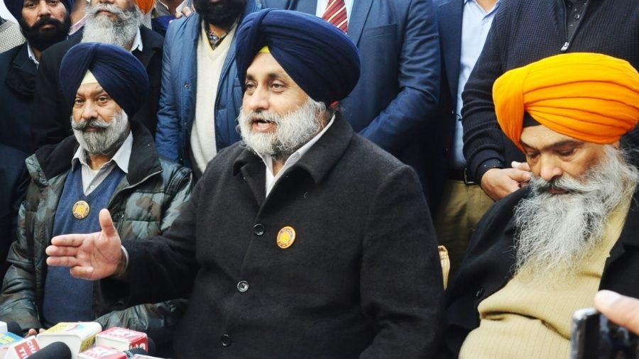 Sukhbir Singh Badal (middle) said on Saturday that the Centre is being insincere in talks over the farm laws.