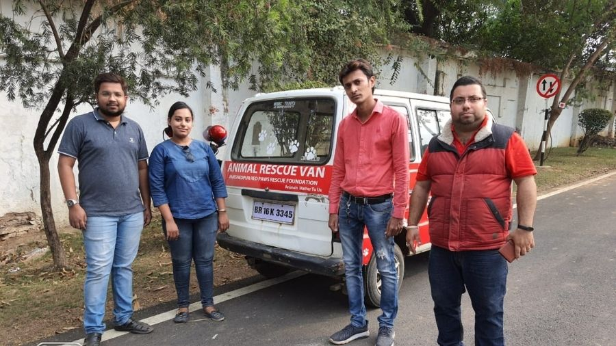 Members of Jamshedpur Red Paws Rescue Foundation during one of their animal welfare drives in Jamshedpur.