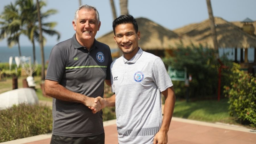 Seiminlen Doungel with Owen Coyle in Goa.