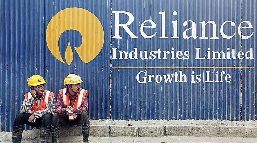 The oil-to-telecom conglomerate recorded a net profit of Rs 13,101 crore compared with Rs 11,640 crore in the same period of the previous year.