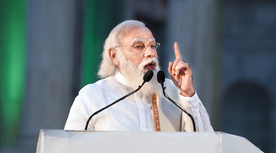 Prime Minister Narendra Modi speaks at the Victoria Memorial grounds, Calcutta, on Saturday, Netaji's birth anniversary.