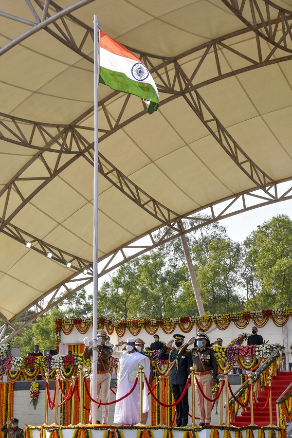 Jharkhand Governor Draupadi Murmu hoists the Tricolour during the 72nd Republic Day celebrations at Morhabadi grounds, in Ranchi on Tuesday.