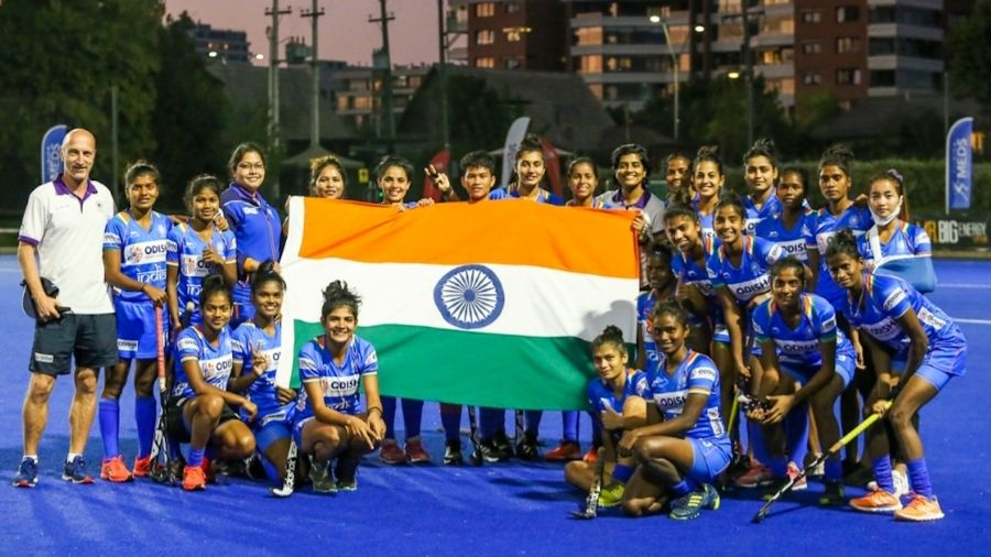 The Indian (junior women) hockey team, which won the series against Chile seniors) 5-1, with the Tricolour.