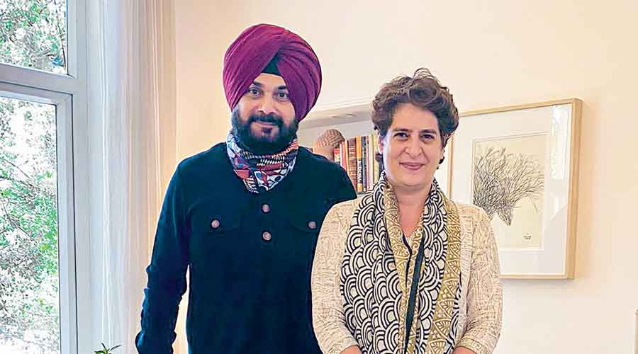 Navjot Singh Sidhu meets Priyanka Gandhi Vadra  at her residence in New Delhi