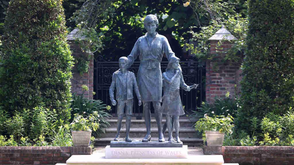 Art Critics Find Diana Statue Spiritless Telegraph India