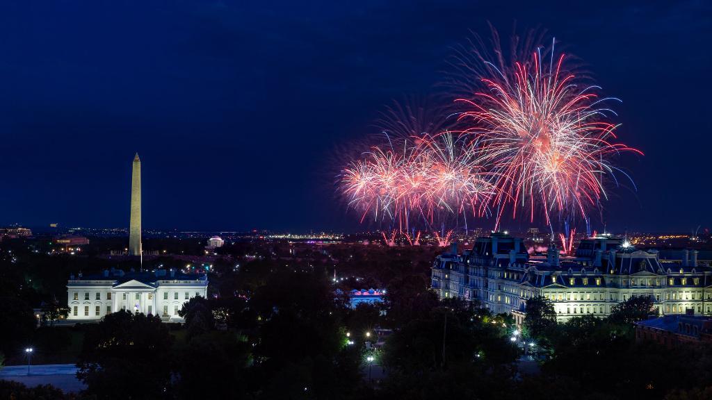 Fourth of July fireworks at Washington DC.