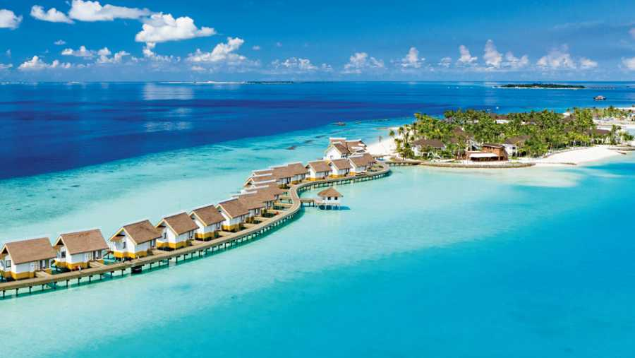 While visiting the Maldives, choose a hotel within a short distance of Male airport, like Saii Lagoon