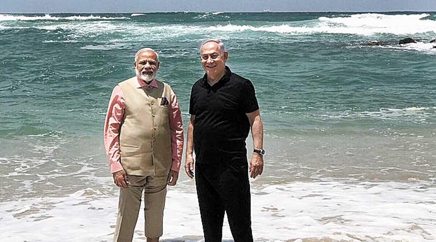 Modi and the then Israeli Prime Minister, Benjamin Netanyahu
