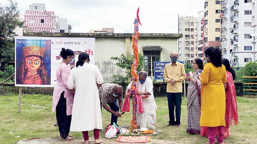 New Town CC Block residents prepare for their khuti puja