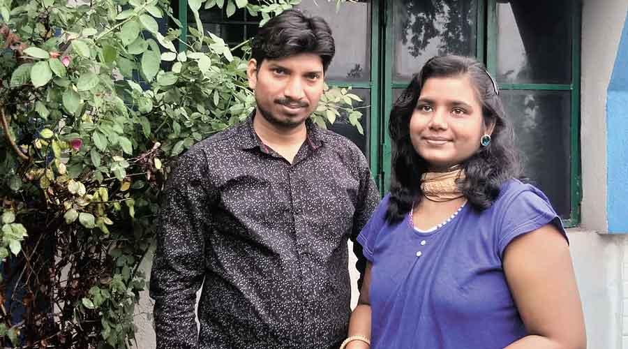 Rupesh Kumar Singh with his wife Ipsa Shatakshi in Ramgarh.
