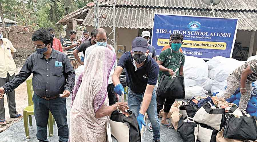 Birla High School organises Yaas Relief Camp in Sunderbans.