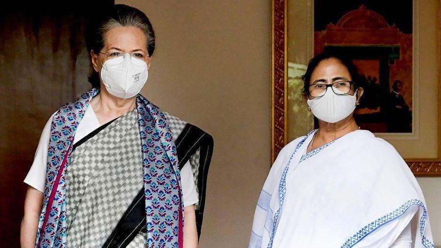 Sonia Gandhi and Mamata Banerjee in New Delhi on Wednesday.