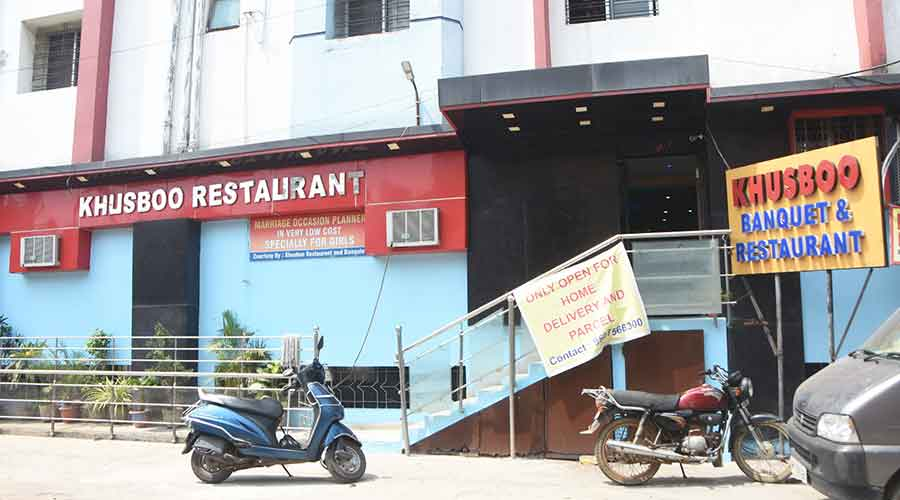 A restaurant at Durga Mandir Road, Hirapur in Dhanbad on Sunday.
