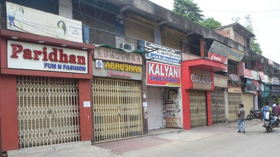 Scores of shops remain closed at the Park Market in Hirapur, Dhanbad, on Tuesday.