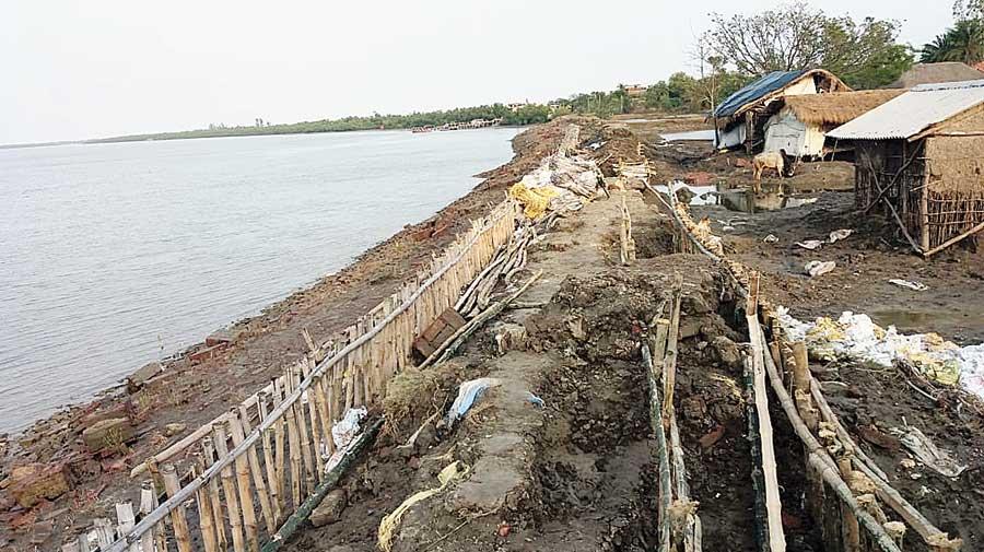 A damaged earthen embankment of the Kuyemari river at Patharpratima in South 24-Parganas.