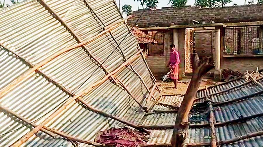 Local sources said that a rotating column of wind, quite similar to the tornado-like mass of wind that recently rampaged several areas of Hooghly, North 24-Parganas and Nadia districts, lashed Jaleshwar, Ichhapur, Panchpota, Sutia, Rajapur, Chowgacha and some other adjacent areas under Gaighata block.