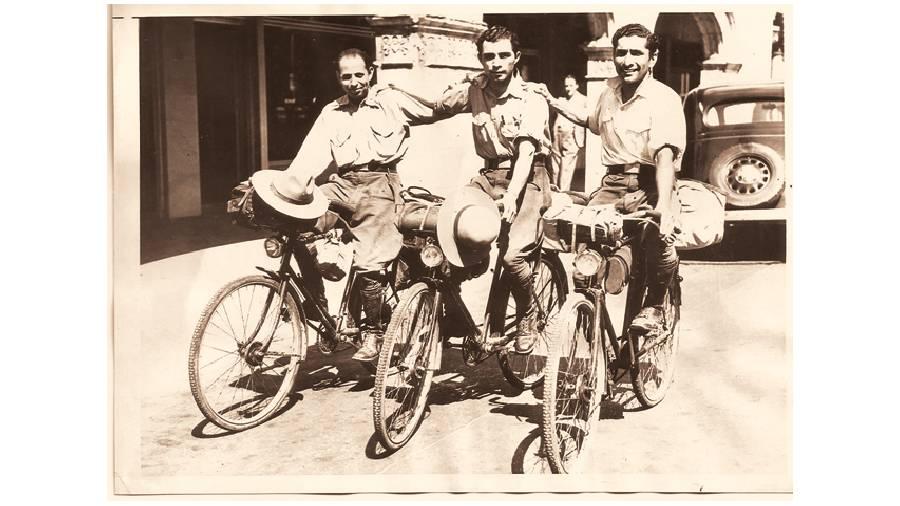 Kaikee Kharas, Rutton Shroff and Rustam Ghandhi in Miami, USA