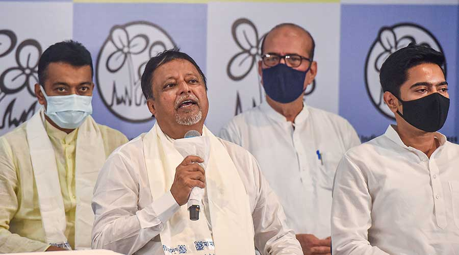 Mukul Roy with TMC National General Secretary Abhisekh Banerjee during his re-joining of the party, at TMC Bhavan in Calcutta on Friday, June 11, 2021.