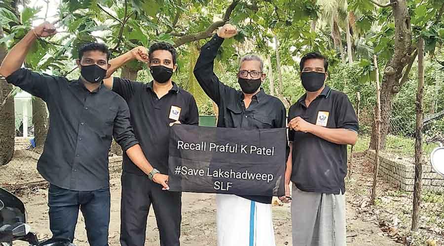 Lakshadweep residents in black protest against  Praful Khoda Patel on Monday