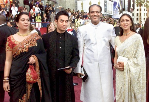 GOING GLOBAL: (L-R) Reena Dutta, Aamir Khan's former wife and Lagaan's co-producer, Aamir, Ashutosh Gowariker and Ashutosh's wife Sunita at the 2002 Academy Awards red carpet in Los Angeles