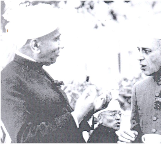 Nobel laureate C.V. Raman in conversation with Jawaharlal Nehru sometime in the early 1950s. Both men were profoundly influenced by The Light of Asia, with Raman acknowledging that it is one of the three books that had shaped him.