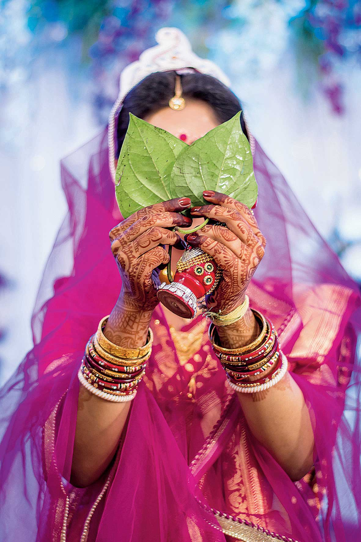 A traditional Bengali wedding is  not complete without a Benarasi