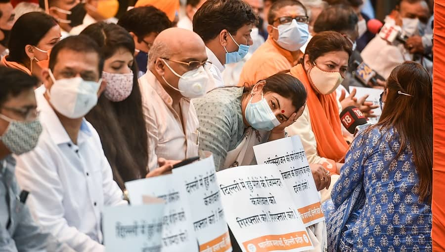 BJP leaders stage a protest over Delhi's oxygen shortage in hospitals during the second wave at Jantar Mantar in New Delhi on Monday.