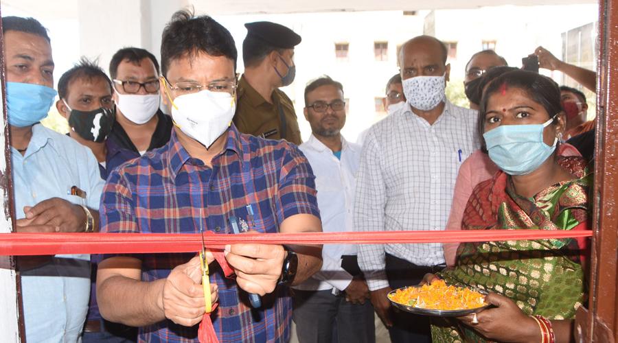 Deputy Commissioner (DC) Dhanbad, Uma Shankar Singh inaugurating the Primary Health Centre at Belgarhia in Dhanbad on Monday.