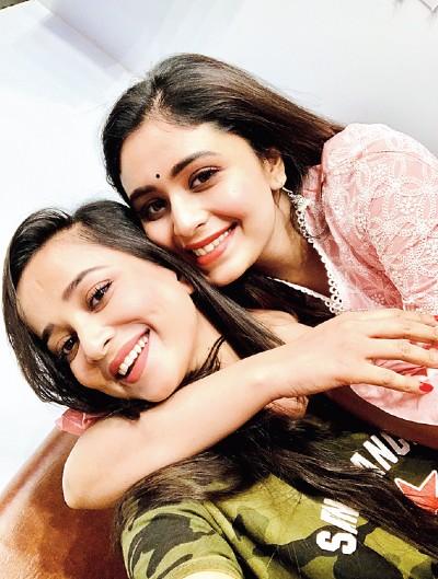 Priyanka and Ritabhari on the sets of FIR