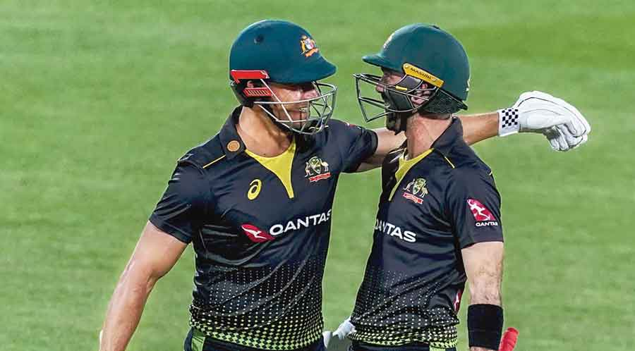 Glenn Maxwell (right) and Marcus Stoinis during the T20I on Wednesday
