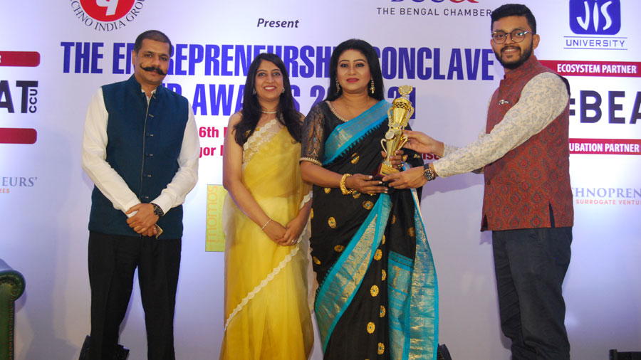 (L-R) Deepak Daftari; Pooja Dugar, the chairperson of the Women Entrepreneurship Cell of The Entrepreneurs' Committee, BCC&I, and director of Leap Years Preschool; Keya Seth who received the Woman Changemaker Award; and Meghdut Roy Chowdhury, Chairperson, The Entrepreneurs' Committee, BCC&I.