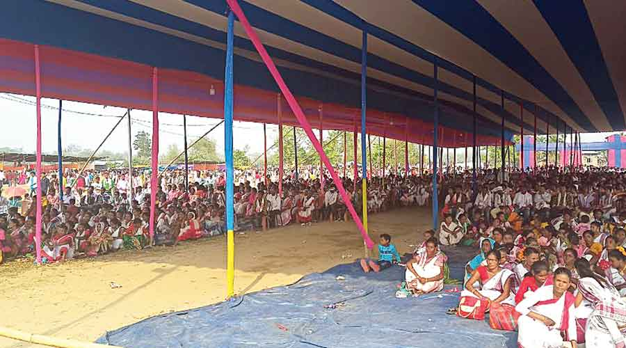 Participants at the Aasaa-organised mahasabha at Halem in Biswanath district on Sunday