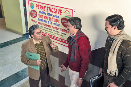 Ashutosh Rana (left) and Rajesh Tailang in Pagglait