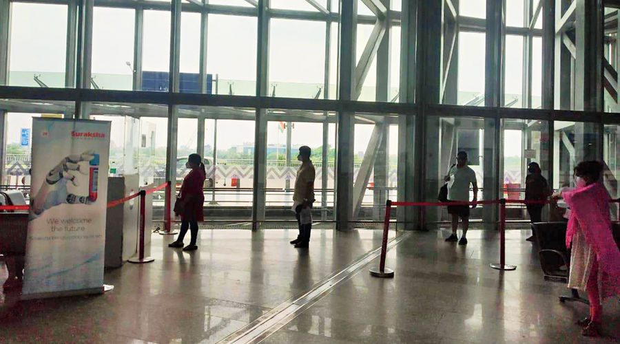 A queue for the Covid test at Calcutta airport.